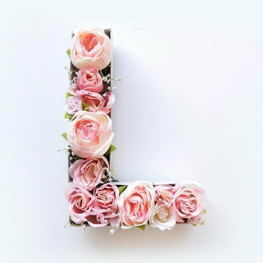 Blooming Monogram Best Friend Mothers Day DIY Homemade Crafting Gift Ideas Inspiration How To Make Tutorials Recipes Gifts To Make