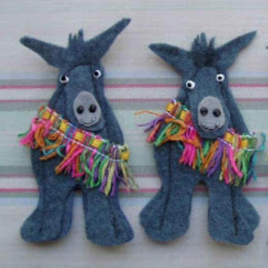 Burro Finger Puppets Mexican Mothers Day DIY Homemade Crafting Gift Ideas Inspiration How To Make Tutorials Recipes Gifts To Make