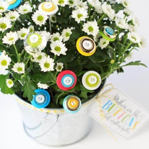 Button Bouquet Easy Last Minute Mothers Day DIY Homemade Crafting Gift Ideas Inspiration How To Make Tutorials Recipes Gifts To Make