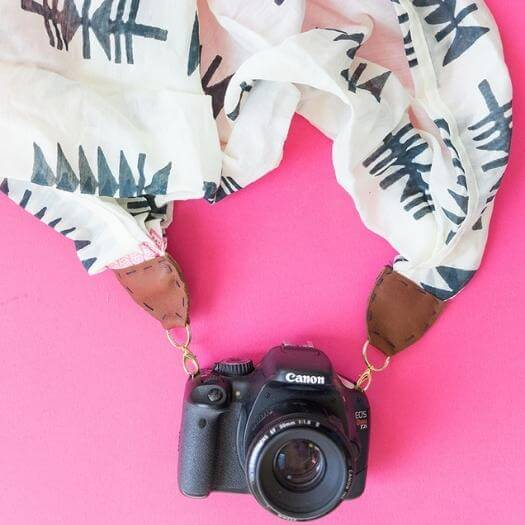 Camera Scarf Strap Personalized Mothers Day DIY Homemade Crafting Gift Ideas Inspiration How To Make Tutorials Recipes Gifts To Make