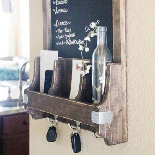 Chalkboard Key Hooks Best Friend Mothers Day DIY Homemade Crafting Gift Ideas Inspiration How To Make Tutorials Recipes Gifts To Make