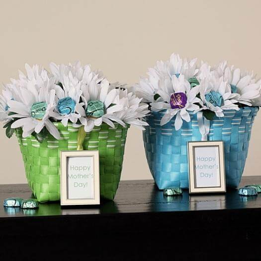 Chocolate Bouquet Best Mothers Day DIY Homemade Crafting Gift Ideas Inspiration How To Make Tutorials Recipes Gifts To Make