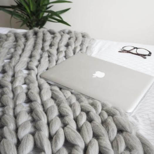 Chunky Blanket Sister Mothers Day DIY Homemade Crafting Gift Ideas Inspiration How To Make Tutorials Recipes Gifts To Make