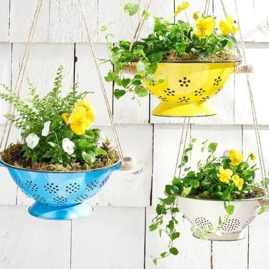 Colander Planter Cheap Affordable Mothers Day DIY Homemade Crafting Gift Ideas Inspiration How To Make Tutorials Recipes Gifts To Make