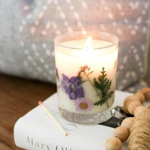 Dried Flower Candle Unique Mothers Day DIY Homemade Crafting Gift Ideas Inspiration How To Make Tutorials Recipes Gifts To Make