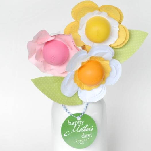 EOS Chapstick Flowers Unique Mothers Day DIY Homemade Crafting Gift Ideas Inspiration How To Make Tutorials Recipes Gifts To Make