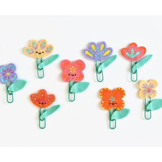 Felt Flower Clips Kids Mothers Day DIY Homemade Crafting Gift Ideas Inspiration How To Make Tutorials Recipes Gifts To Make