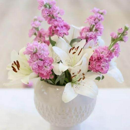 Flower Arrangements Easy Last Minute Mothers Day DIY Homemade Crafting Gift Ideas Inspiration How To Make Tutorials Recipes Gifts To Make