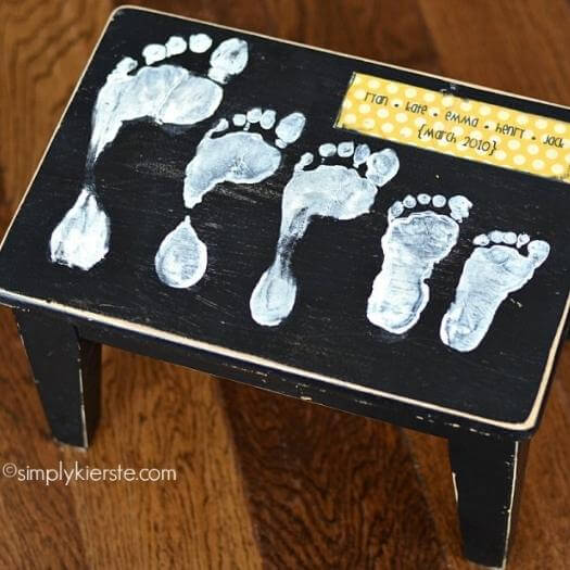 Footprint Stool Best Mothers Day DIY Homemade Crafting Gift Ideas Inspiration How To Make Tutorials Recipes Gifts To Make