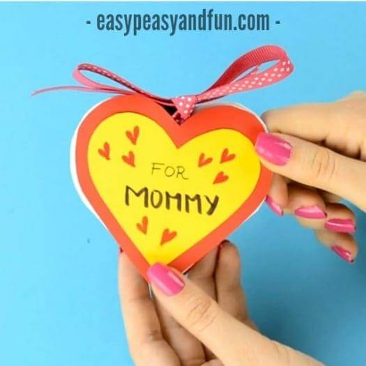 Heart Notebook Cheap Affordable Mothers Day DIY Homemade Crafting Gift Ideas Inspiration How To Make Tutorials Recipes Gifts To Make