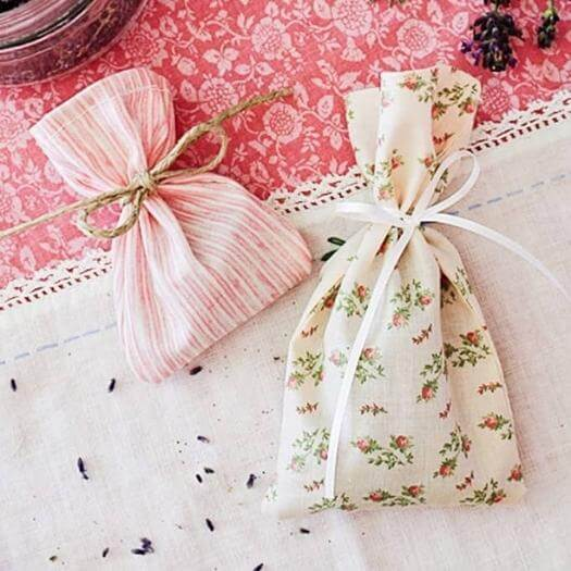 Herb Sachet Cheap Affordable Mothers Day DIY Homemade Crafting Gift Ideas Inspiration How To Make Tutorials Recipes Gifts To Make