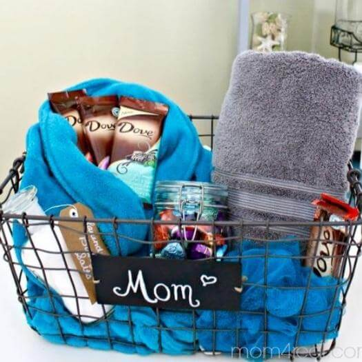 Home Spa Basket Easy Last Minute Mothers Day DIY Homemade Crafting Gift Ideas Inspiration How To Make Tutorials Recipes Gifts To Make