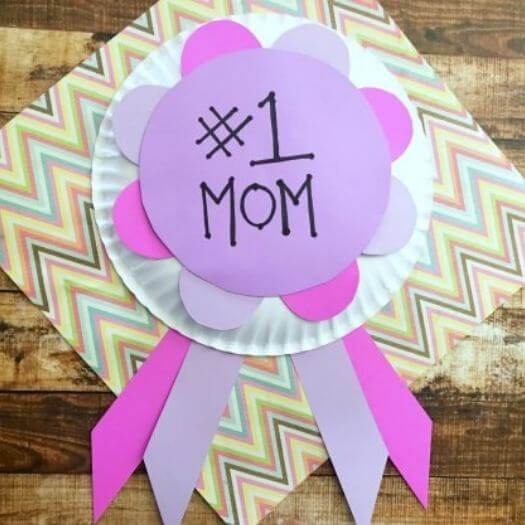 Homemade Mom Award Kids Mothers Day DIY Homemade Crafting Gift Ideas Inspiration How To Make Tutorials Recipes Gifts To Make