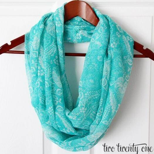 Infinity Scarf Sister Mothers Day DIY Homemade Crafting Gift Ideas Inspiration How To Make Tutorials Recipes Gifts To Make