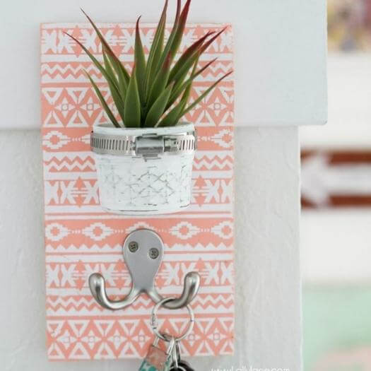 Key Holder Cheap Affordable Mothers Day DIY Homemade Crafting Gift Ideas Inspiration How To Make Tutorials Recipes Gifts To Make