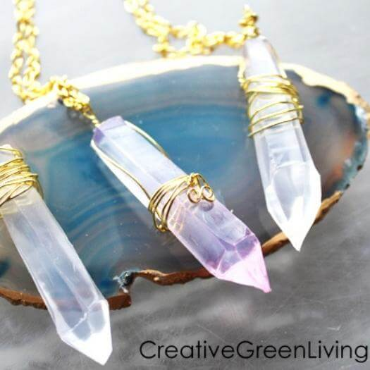 Kyber Crystal Necklace Sister Mothers Day DIY Homemade Crafting Gift Ideas Inspiration How To Make Tutorials Recipes Gifts To Make