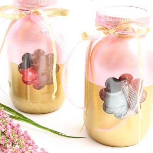 Manicure in a Jar Cheap Affordable Mothers Day DIY Homemade Crafting Gift Ideas Inspiration How To Make Tutorials Recipes Gifts To Make