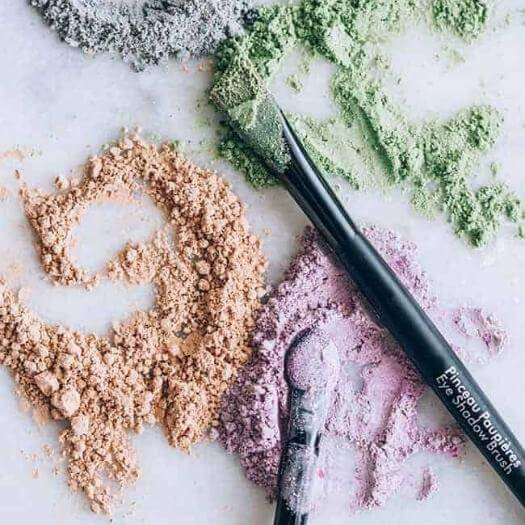 Mineral Eyeshadow Sister Mothers Day DIY Homemade Crafting Gift Ideas Inspiration How To Make Tutorials Recipes Gifts To Make