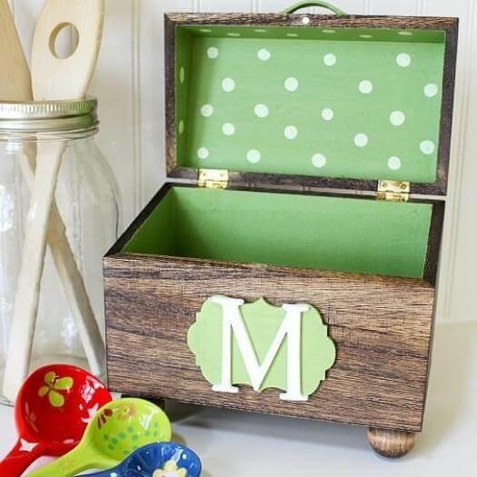 Monogrammed Recipe Box Unique Mothers Day DIY Homemade Crafting Gift Ideas Inspiration How To Make Tutorials Recipes Gifts To Make
