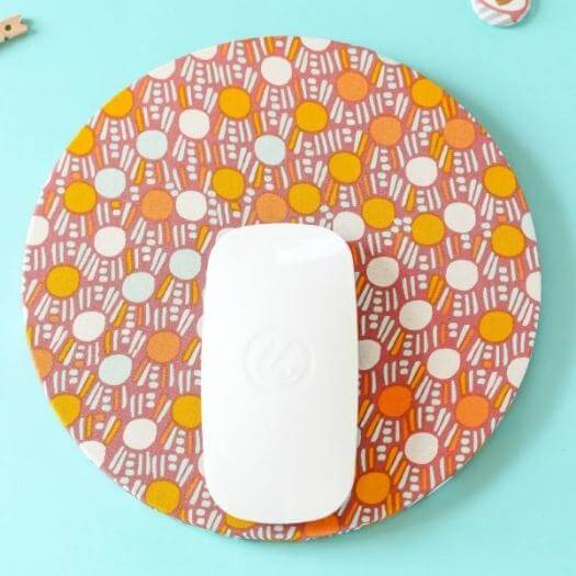 Mouse Pad Cheap Affordable Mothers Day DIY Homemade Crafting Gift Ideas Inspiration How To Make Tutorials Recipes Gifts To Make
