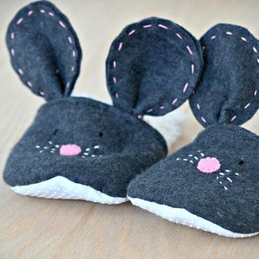 Mouse Slippers Sister Mothers Day DIY Homemade Crafting Gift Ideas Inspiration How To Make Tutorials Recipes Gifts To Make
