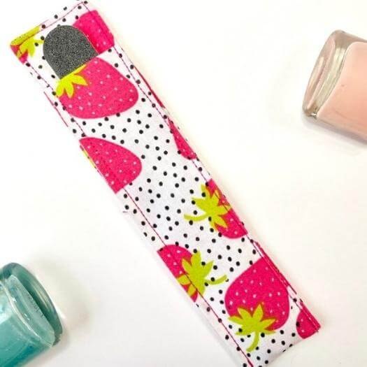 Nail File Carrying Case Easy Last Minute Mothers Day DIY Homemade Crafting Gift Ideas Inspiration How To Make Tutorials Recipes Gifts To Make