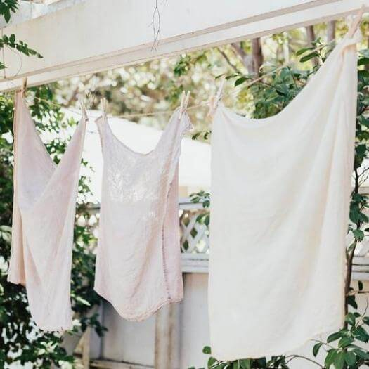 Naturally Dyed Linens Best Mothers Day DIY Homemade Crafting Gift Ideas Inspiration How To Make Tutorials Recipes Gifts To Make