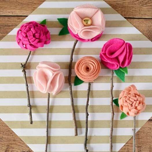No Sew Felt Flowers Kids Mothers Day DIY Homemade Crafting Gift Ideas Inspiration How To Make Tutorials Recipes Gifts To Make