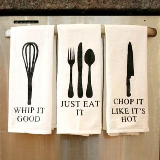 Painted Kitchen Towels Funny Mothers Day DIY Homemade Crafting Gift Ideas Inspiration How To Make Tutorials Recipes Gifts To Make
