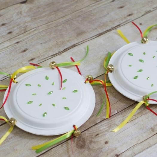 Paper Plate Tambourines Mexican Mothers Day DIY Homemade Crafting Gift Ideas Inspiration How To Make Tutorials Recipes Gifts To Make