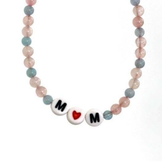 Personalized Mom Necklace Easy Last Minute Mothers Day DIY Homemade Crafting Gift Ideas Inspiration How To Make Tutorials Recipes Gifts To Make