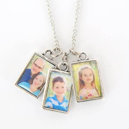 Photo Necklace Personalized Mothers Day DIY Homemade Crafting Gift Ideas Inspiration How To Make Tutorials Recipes Gifts To Make