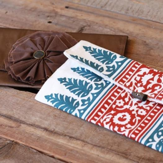 Placemat Clutch Sister Mothers Day DIY Homemade Crafting Gift Ideas Inspiration How To Make Tutorials Recipes Gifts To Make
