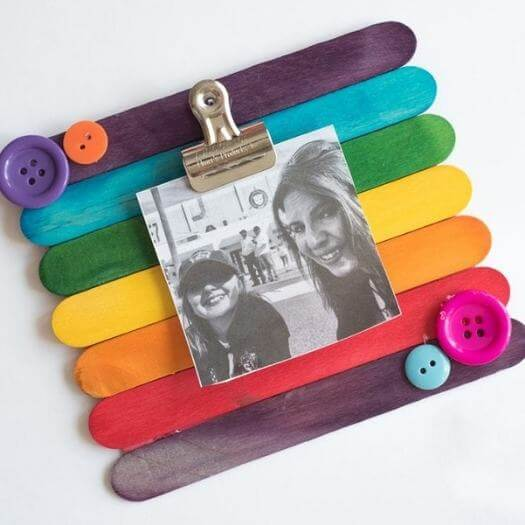 Popsicle Frame Kids Mothers Day DIY Homemade Crafting Gift Ideas Inspiration How To Make Tutorials Recipes Gifts To Make