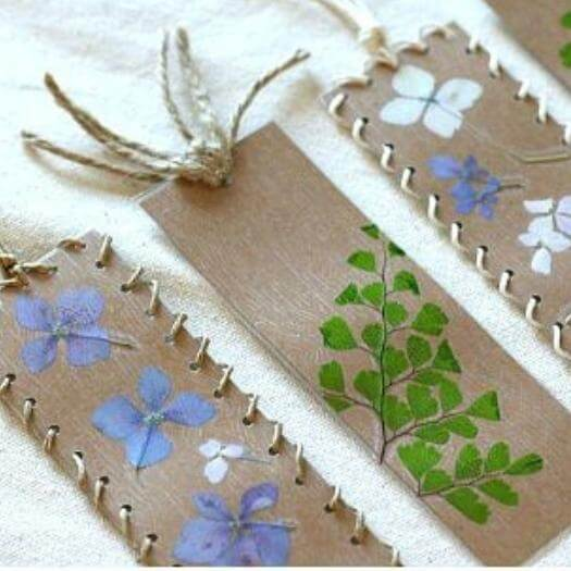 Pressed Flower Bookmark Best Friend Mothers Day DIY Homemade Crafting Gift Ideas Inspiration How To Make Tutorials Recipes Gifts To Make