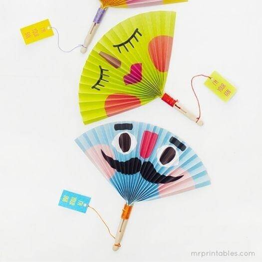 Summer Paper Fans Mexican Mothers Day DIY Homemade Crafting Gift Ideas Inspiration How To Make Tutorials Recipes Gifts To Make