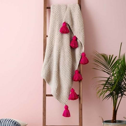 Tassel Throw Blanket Cheap Affordable Mothers Day DIY Homemade Crafting Gift Ideas Inspiration How To Make Tutorials Recipes Gifts To Make