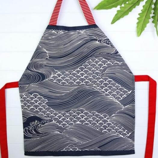 Tea Towel Apron Grandma Mothers Day DIY Homemade Crafting Gift Ideas Inspiration How To Make Tutorials Recipes Gifts To Make