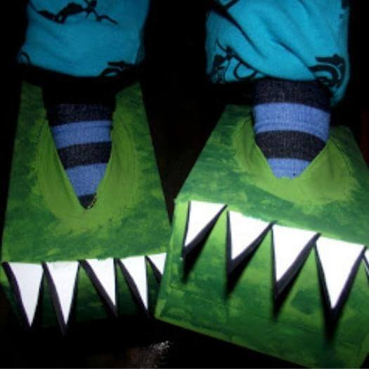 Tissue Box Dinosaur Feet Funny Mothers Day DIY Homemade Crafting Gift Ideas Inspiration How To Make Tutorials Recipes Gifts To Make