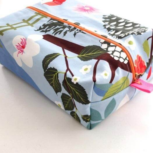 Zippered Wash Bag Best Mothers Day DIY Homemade Crafting Gift Ideas Inspiration How To Make Tutorials Recipes Gifts To Make